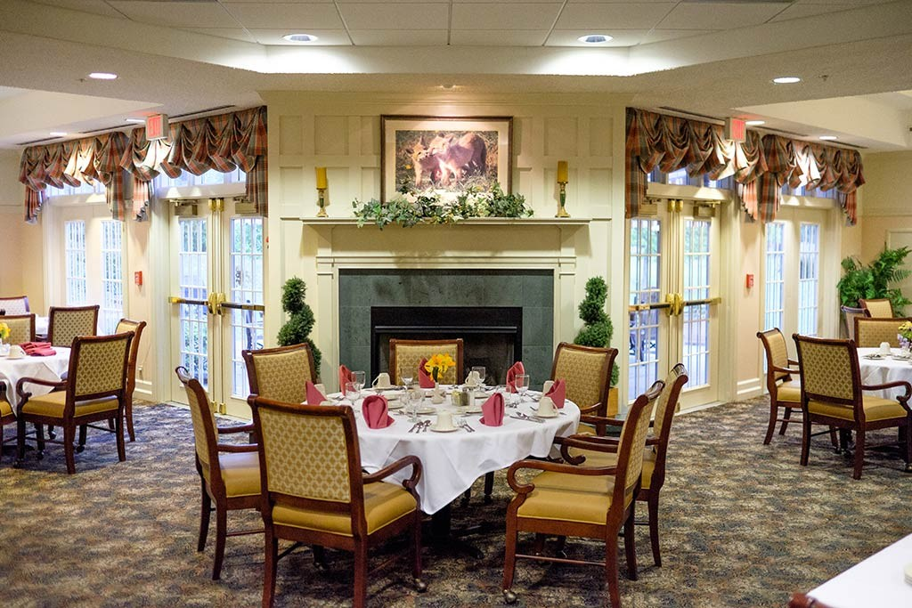 Hiland Meadows dining room