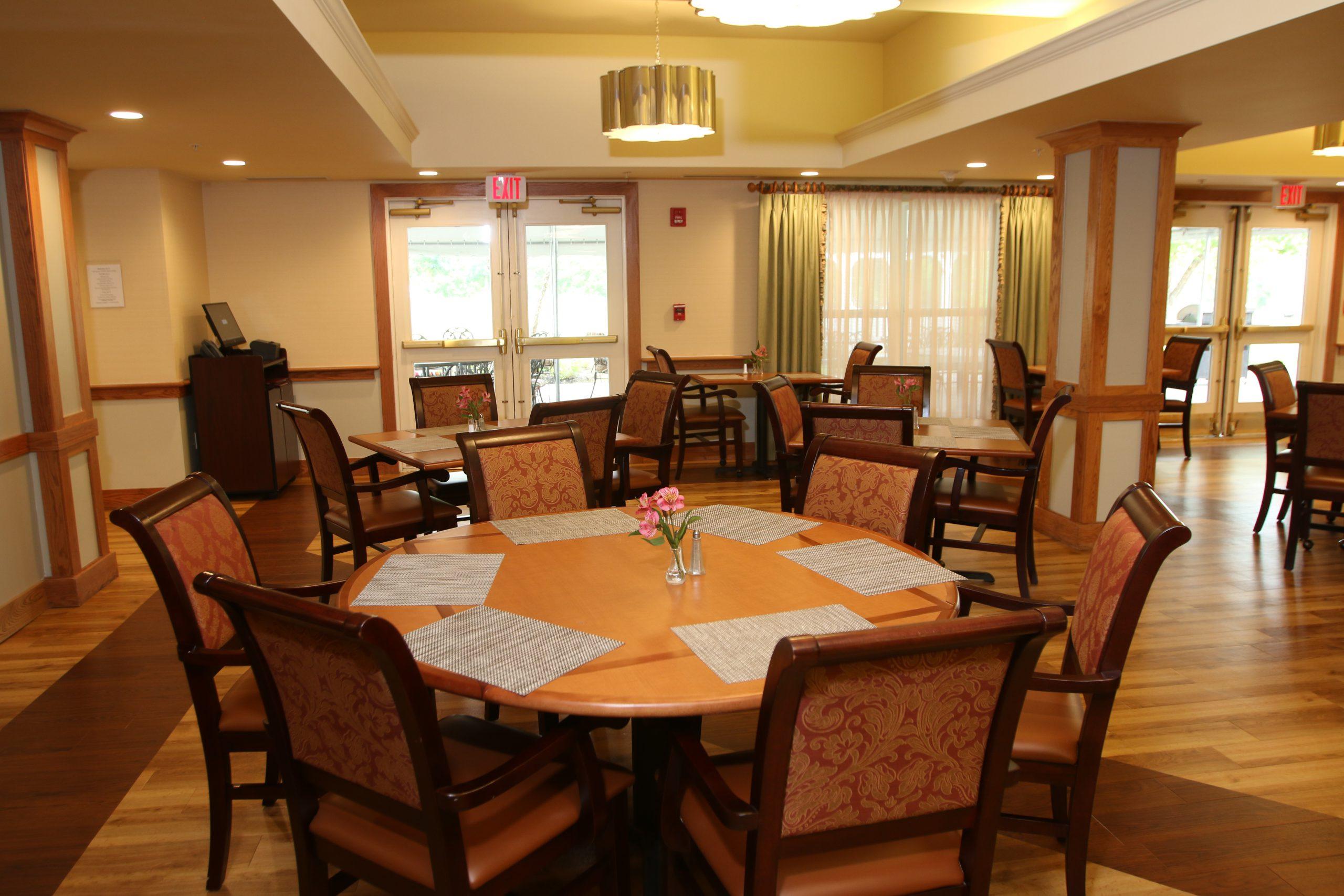 Hawthorne Ridge dining room