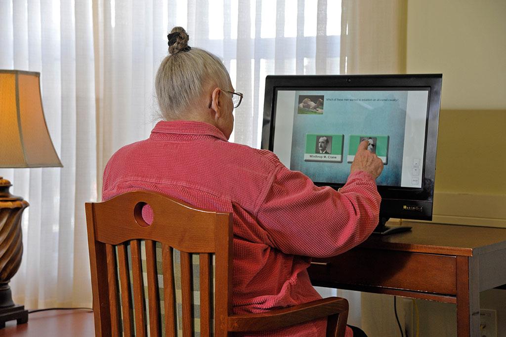 Eddy Hawthorne Ridge resident on computer